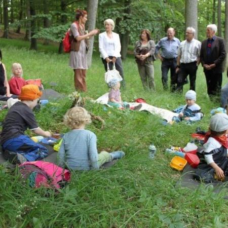 Besuch beim Waldkindergarten Kirchvers in der Frühstückspause